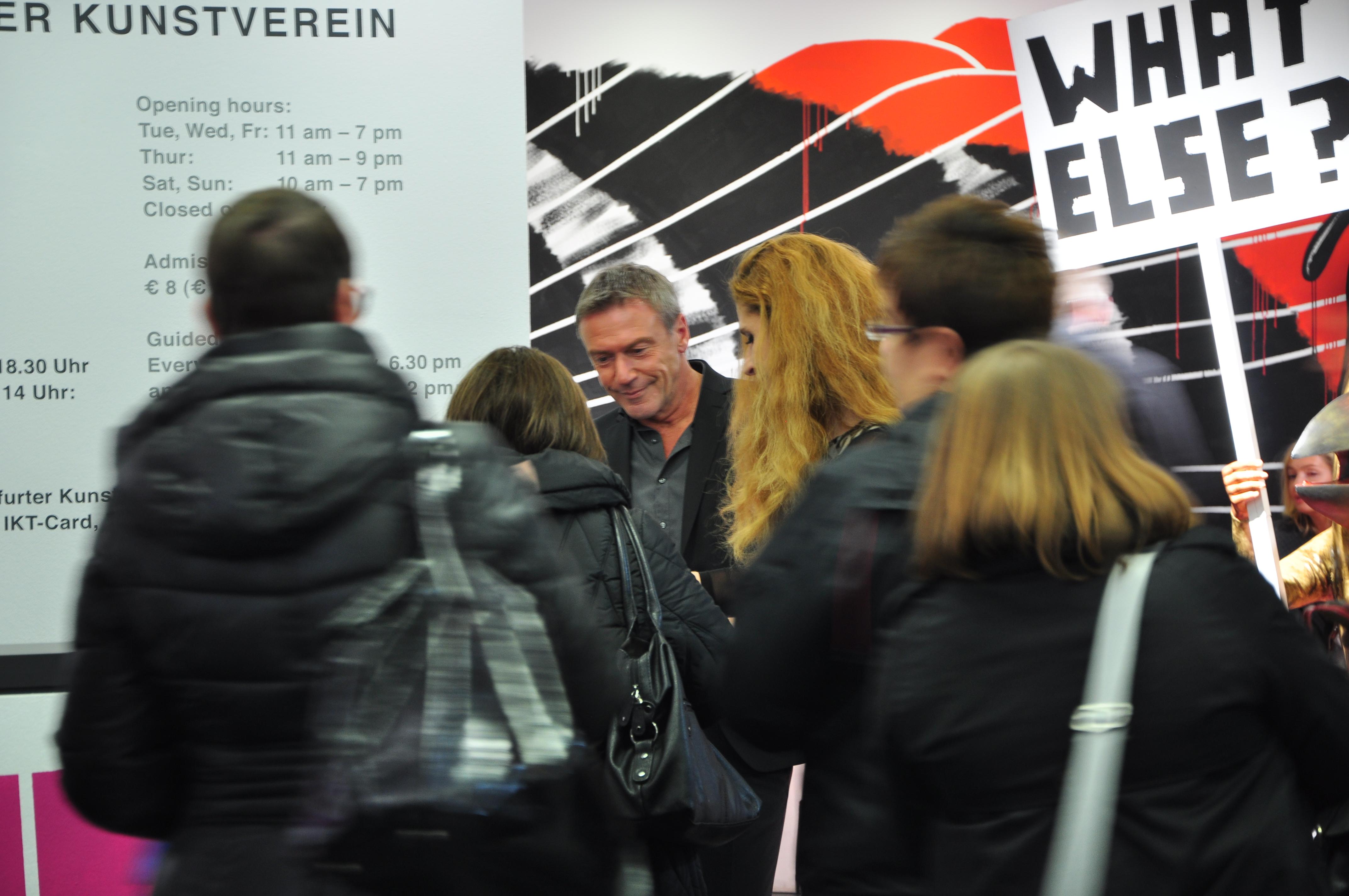 Arno Strobel mit seiner Kollegin Ursula Posznanski bei der Signierstunde im Oktober in Frankfurt.