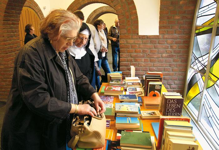 Die Buch- und Kunsthandlung war gut besucht. Foto: RSA/Pasel