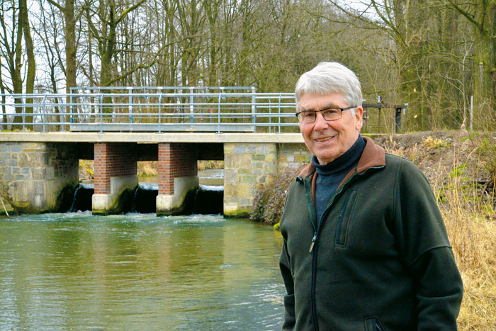 Ferdinand Westerhorstmann freut sich über die gelungene Sanierung der Kanalschleuse.
