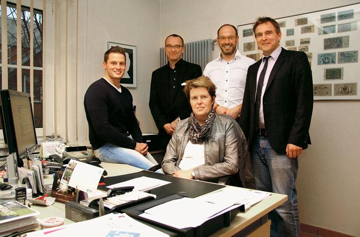 Das System funktioniert: (v.l.) Mobiler Retter Dennis Pepping, Bernd Strickmann, Ärztlicher Leiter des Rettungsdienstes, Mar