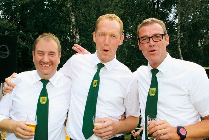 Ein richtig gut aufgelegtes Trio, das sogar Bronze, Silber und Gold ins Spiel bringt: Die Freunde Matthias Thielemeyer, Frank