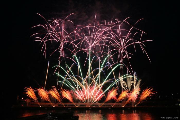 So sieht die erfolgreiche Arbeit von Michael Sprick am Himmel aus: Dieses Feuerwerk zündete er in Monaco. Foto: privat