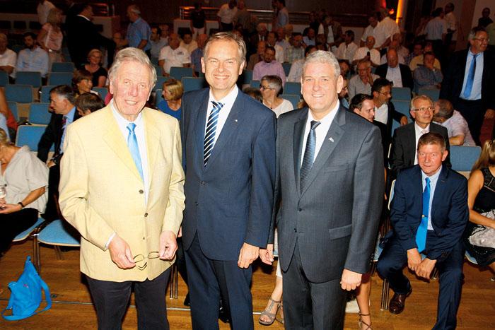 Der DUG-Sprecher Fritz Wilhelm Pahl begrüßte den Referenten Wolf Meier-Scheuven und Delbrücks Bürgermeister Werner Peitz