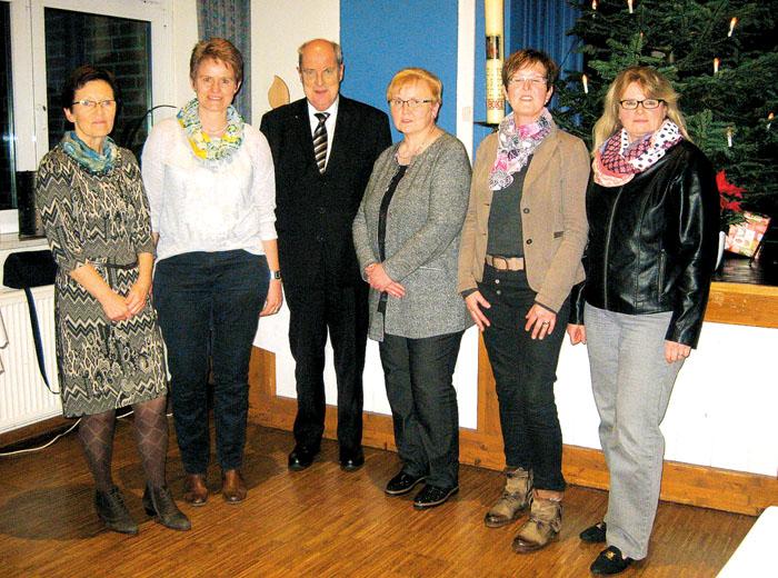 Der frisch gewählte Vorstand der KfD Boke muss künftig ohne den Präses Pfarrer Martin Göke auskommen. Foto: privat