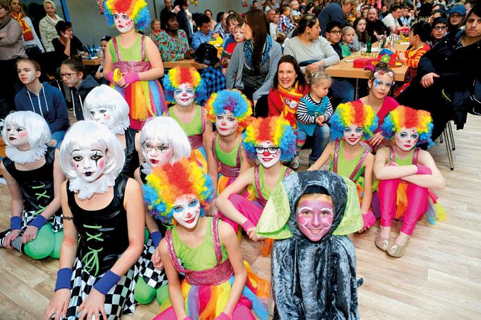 Volles Haus auch bei der Kindersitzung in Schöning. Fotos: DSA/Steg