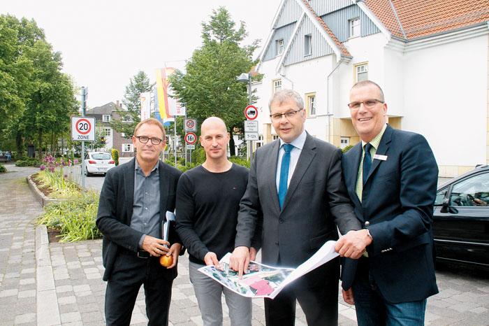 An diesem Standort wird das Lind-Hotel erweitert – wissen Architekt Raimund Heitmann, Projektleiter Alain Placke, Hotelinha