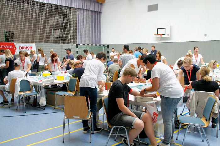 Sich typisieren lassen, das tut nicht weh, davon überzeugten sich rund 1.600 Freiwillige aus der gesamten Region. Fotos: rob