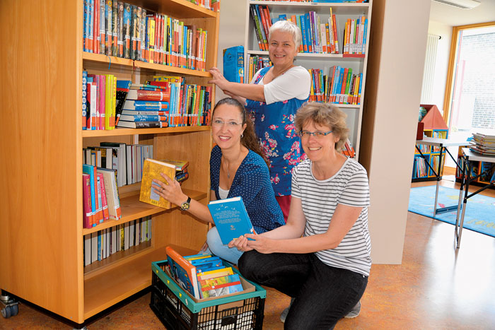 vorne links Verena Kreilinger, Andrea Kröning und (dahinter) Karin Respondek haben in der vergangenen Woche noch die letzten