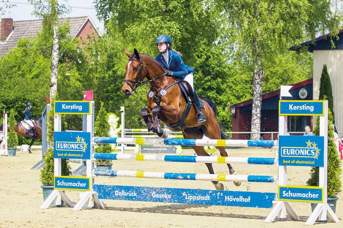 Auch die junge Delbrückerin Lina Klösener (20) wird mit ihrem Pferd Calliou an den Start gehen und sich mit den anderem Rei