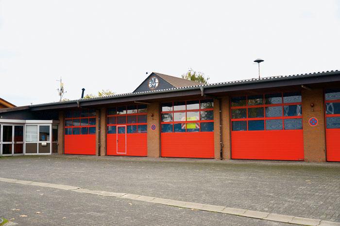 Auf die Stadt Delbrück kommen allein mit den Feuerwehrgerätehäusern (hier die Feuerwache Delbrück) in den nächsten Jahre