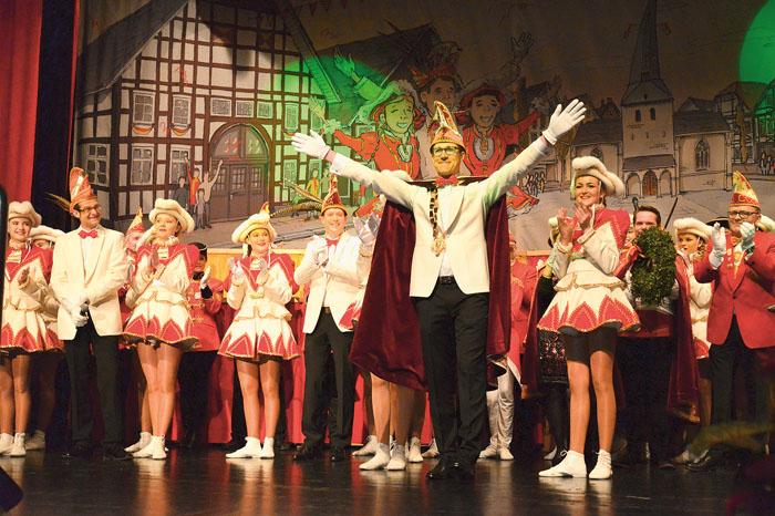 """Ein Traum wird wahr: """"Was kann es Schöneres geben?"""", fragt der frisch gekürte Karnevalsprinz Markus I. Berhorn."""