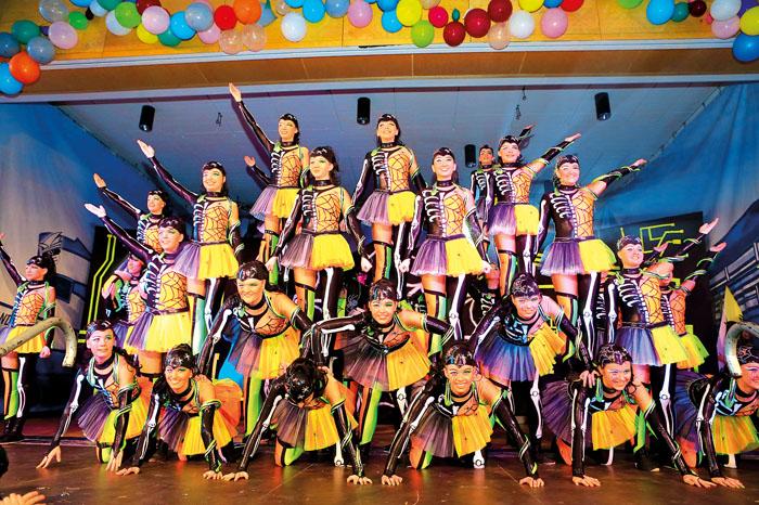 """Die Showtanzgruppe """"Diwo"""" aus Ostenland legt eine unglaublich gute Performance aufs Parkett.  Fotos: DSA/Steg"""