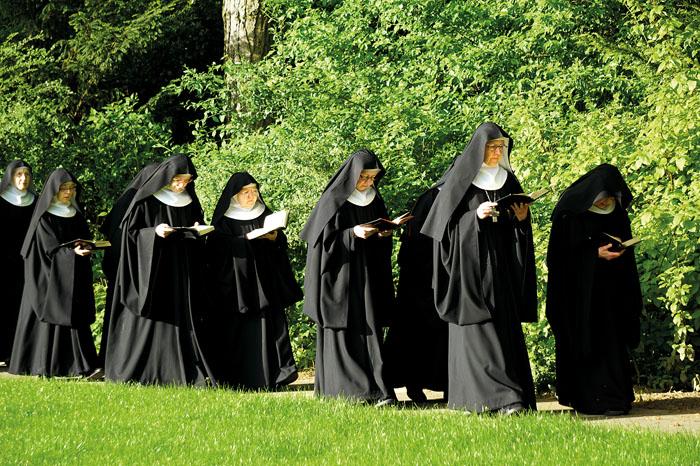 """""""Ora et labora""""m - """"Bete und arbeite"""", so werden die benediktinischen Regeln oft zusammengefasst. Die Schwestern füh"""