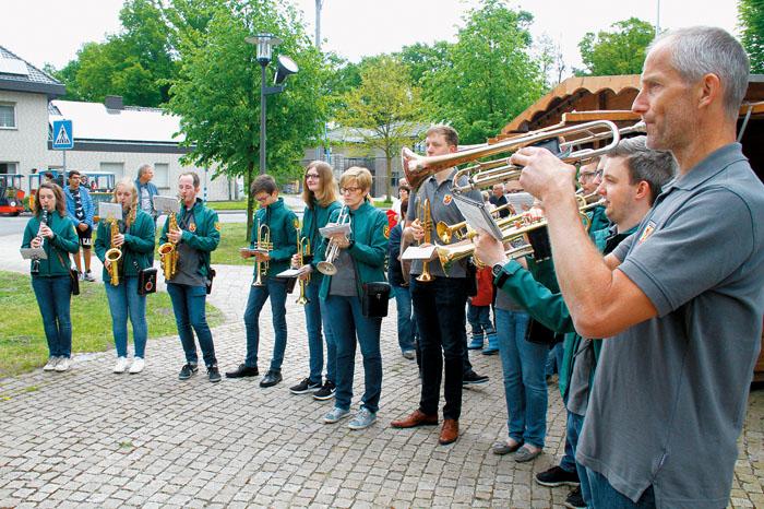 Auch der Musikverein beteiligte sich wie die Chöre und viele andere Vereine und Verbände an der Programmgestaltung. Fotos: