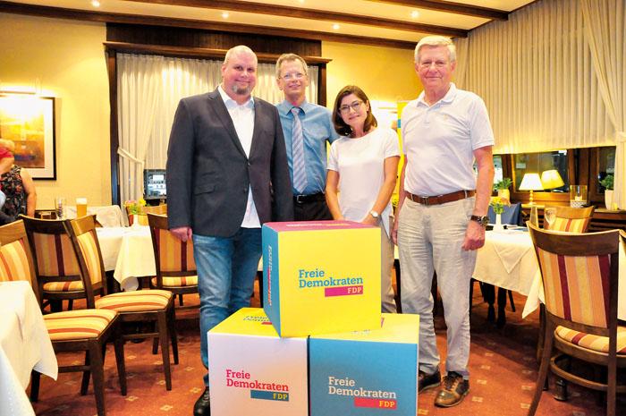 Der neue FDP-Vorstand setzt sich zusammen aus Ralf Böwingloh (v.l.), Günter Höppner, Anne Kleinheinrich und Manfred Niewia