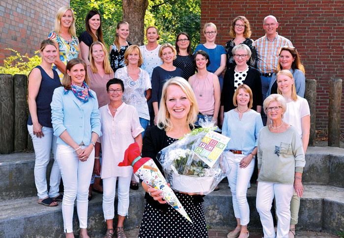 Herzlich aufgenommen im neuen Kollegium: Annika Voß ist die neue Rektorin der Mastholter Grundschule. Foto: RSA/Addicks