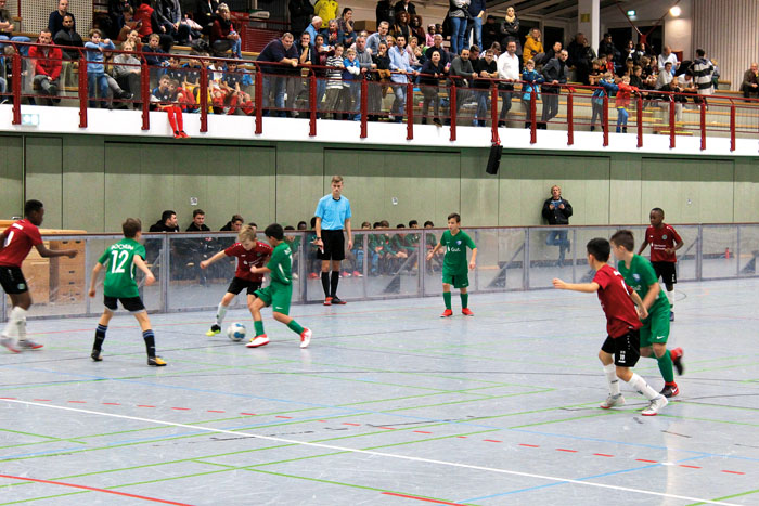 Ein hochspannendes Spiel lieferten sich im U11-Turnier die Bochumer gegen Hannover 96. Die Partie endete mit einem 6:3 für d