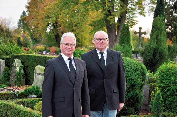 Hans Pietzonka (links) und Erich Brunnert haben über vier Jahrzehnte insgesamt, erst als Helfer beim Vorgänger Heinz Hanhar