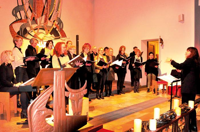 TaktElles aus Varensell bot ein großartiges Konzert in der Druffeler Herz-Jesu-Kirche. Chorgesang vom allerfeinsten mit eine