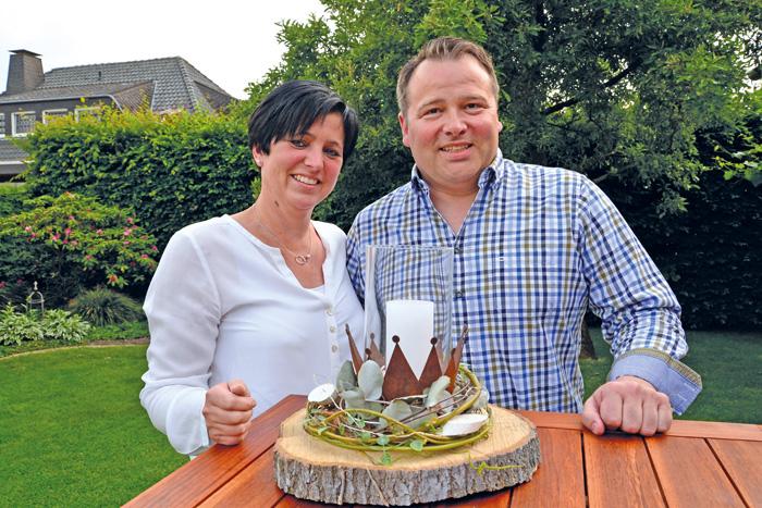 Birgit und David Harlos hängen ein Jahr dran und freuen sich auf ein  rauschendes Fest im kommenden Jahr. Foto: RSA/Addicks