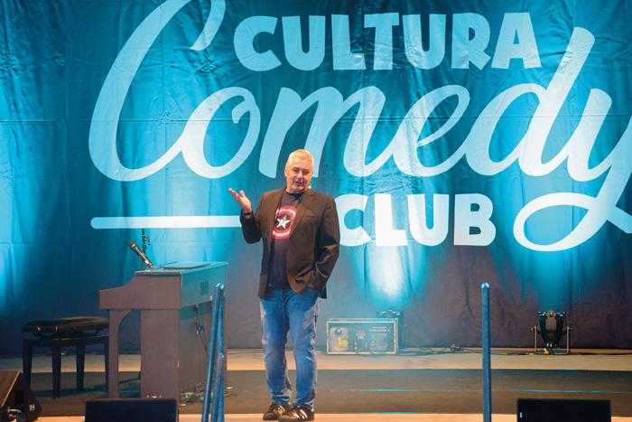 """Moderator Ingo Oschmann freut sich, endlich wieder vor dem """"besten Publikum der Welt"""" stehen zu können. Fotos: RSA/Addi"""