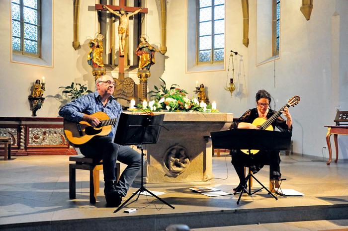 """""""Duo diferente""""  Nicole Schipplick und Andreas Schlüer aus Bielefeld spielten bei """"Kirchenmusik im Kloster"""". Nach la"""