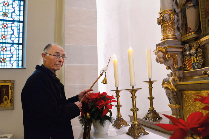 Auch das Entzünden der Kerzen vor den Gottesdiensten und anderen kirchlichen Feierlichkeiten gehörte zu den Aufgaben von Be