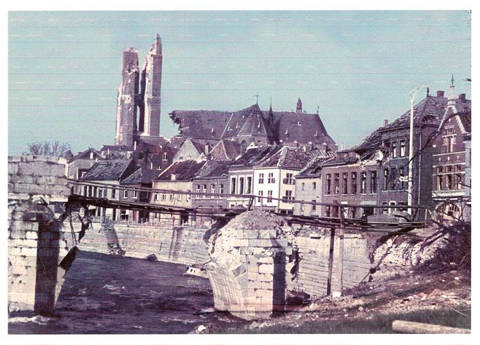 Diese Bilder bekam Franz Sellemerten aus Holland zugesendet. Die Aufnahmen zeigen Teile der zerbombten Stadt Roermond aus dem
