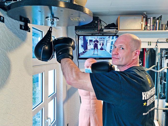 Kai Pieper organisiert die Cultura Clash Night. Während des Lockdowns hält er sich Zuhause fit. Foto: privat