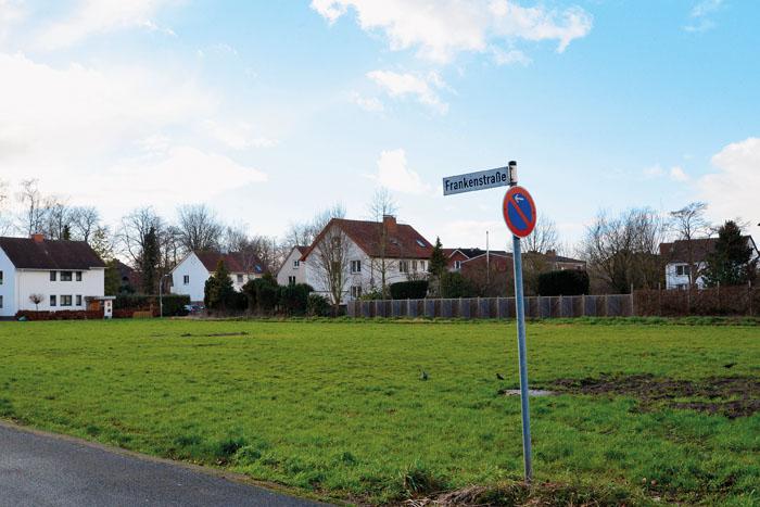 Auf dem Grundstück an der Frankenstraße sollen sechs Mehrfamilienhäuser entstehen. Dazumuss entsprechend viel Parkfläche