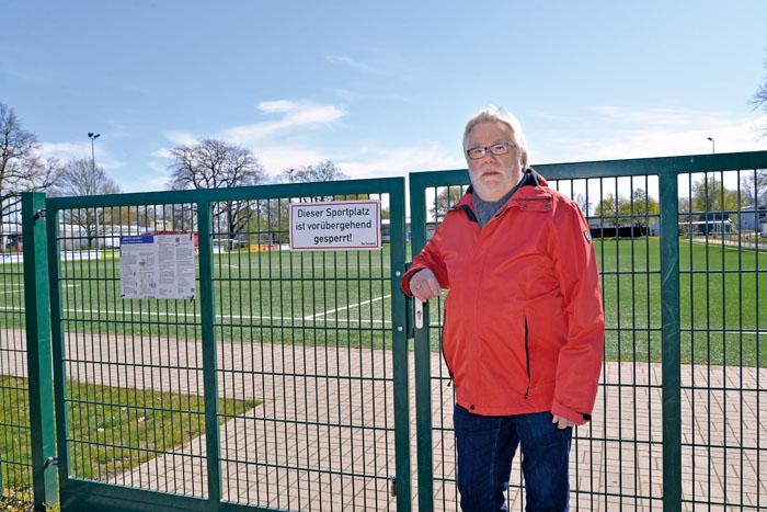 """Noch bis ins Frühjahr musste der Sportplatz komplett geschlossen bleiben. """"Auch Training im Außenbereich unter freiem Him"""