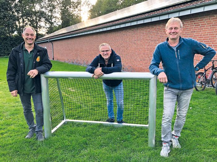 Ludwig Lescow (v.l.), Ingo Berenbrink und Hans-Werner Settertobulte freuen sich darauf, dass der Anbau realisiert werden kann